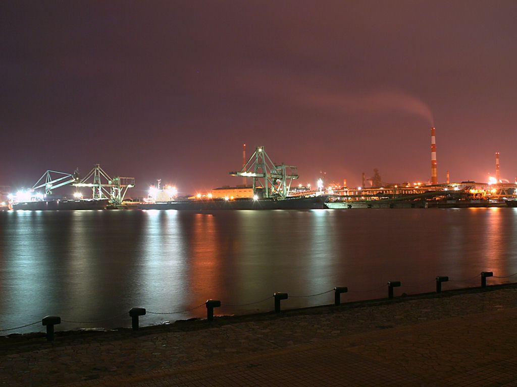 別府港の貨物船と工場の夜景 別府港の貨物船と工場の夜景 別府港の貨物船と工場の夜景  別府港と工